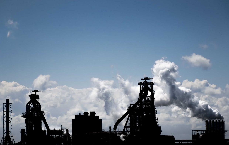 De meeste CO2 die consumenten uitstoten komt uit industrieschoorstenen.