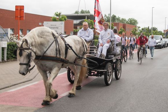 Kleiner dan het Ros Beiaard, maar de Pijnders trokken toch met een paard de straat op.