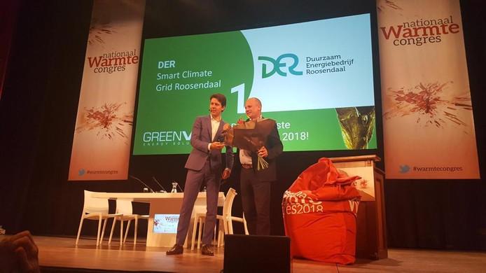 Elmar Franken, directeur gemeente Roosendaal, neemt namens DER en de gemeente Roosendaal de prijs in Nijmegen in ontvangst.