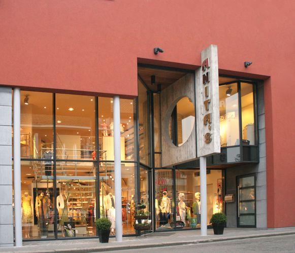 Eind augustus zal Anita's weer in dit pand in Denderleeuw gevestigd zijn.