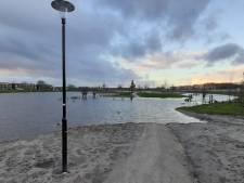 Natte voeten in overstroomd Crescentpark Harderwijk