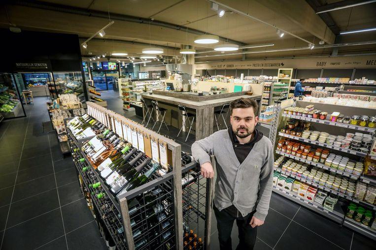 Bert Steeman opent Biowinkel Origin'O in de Generaal Lemanlaan 147 in Assebroek.