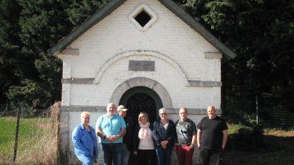 Rommelmarkt ten voordele van de kapel van Meer