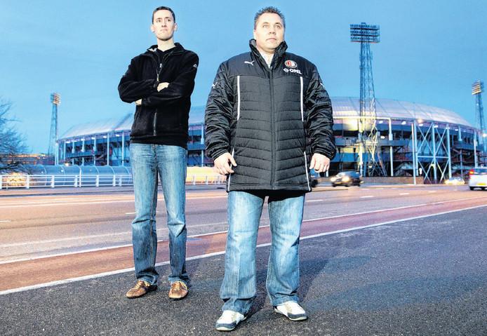 Remco Ravenhorst (links) en Jan de Knecht, twee tegenpolen maar allebei met een rood-wit hart. 'De club en het stadion kunnen de supporters niet negeren.'