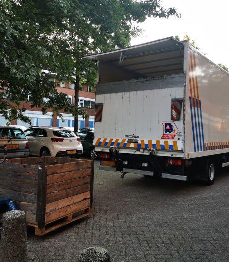 Politie ontmantelt hennepkwekerij na inval in woning Voorstenkamp