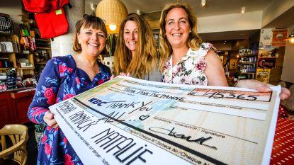 Drie borstkankerpatiënten zamelen ruim 15.000 euro in voor Think Pink