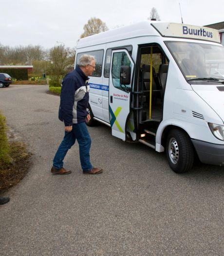 Alphen moet invoering buurtbus onderzoeken, vindt raad: 'Bereikbaarheid dorpen is een serieus probleem'