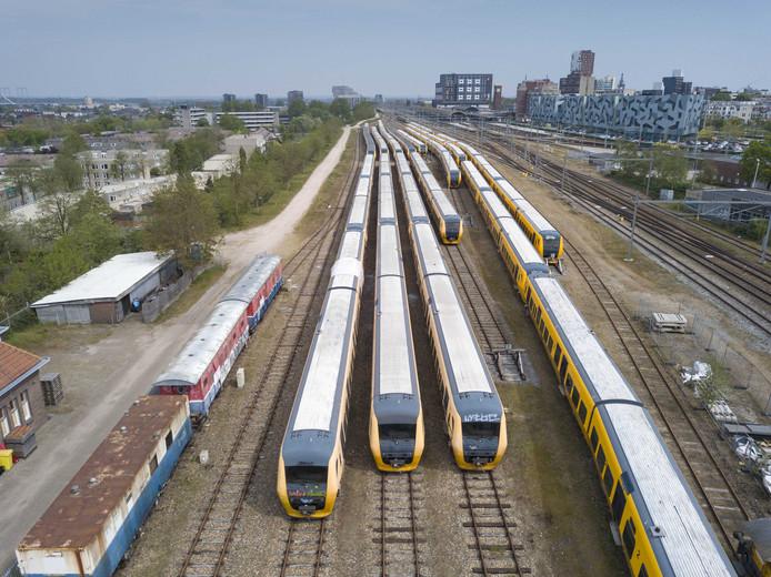 De oude treinen op het NS-terrein in Nijmegen.