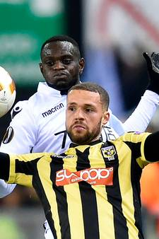 Castaignos levert salaris in voor plek bij Vitesse