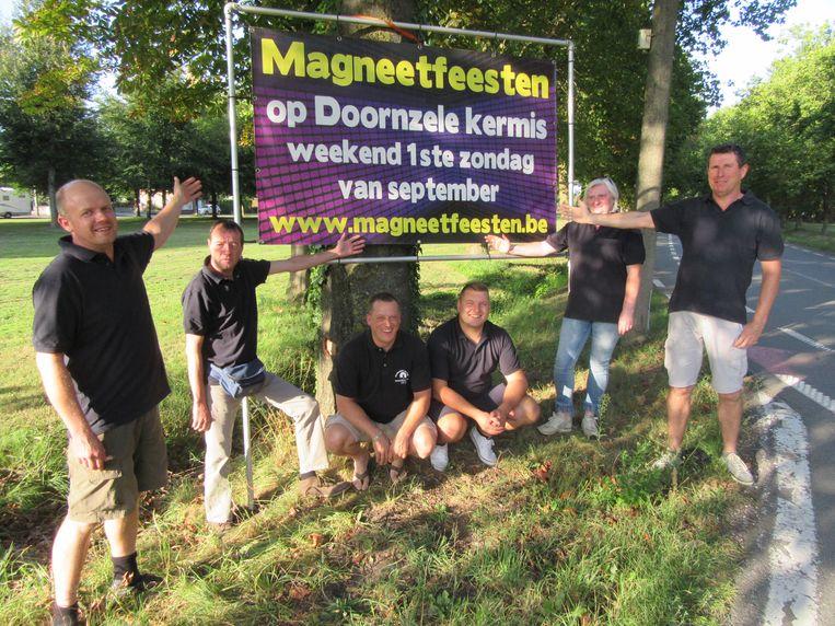 De organisatoren van de Magneetfeesten in Doornzele, op een foto van vorig jaar.