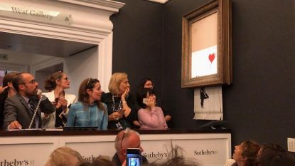 Zat Banksy zelf in veilingzaal? Mysterie over ware identiteit laait weer op na laatste stunt