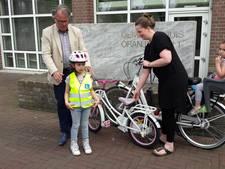 Reflecterende hesjes voor beginnende fietsers in Goirle zijn 'super succes'