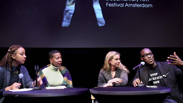 Sunny Bergman gaf na afloop van haar documentaire een toelichting: 'Ik richt me op witte Nederlanders die kritiek afdoen als gezeur.' Beeld Jean-Pierre Jans