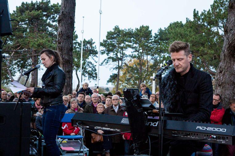 Twee jaar geleden luisterden Ozark Henry en Maud Vanhauwaert Reveil in Koksijde op.