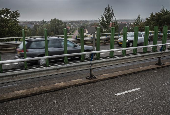 Inwoners van de Maldense wijk Hoogenhof verwachten minder geluidsoverlast van de Jan J. Ludenlaan als er een geluidsscherm wordt geplaatst en stil asfalt wordt gelegd.