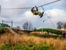 Prachtige beelden: officieren in spé trotseren De Hef