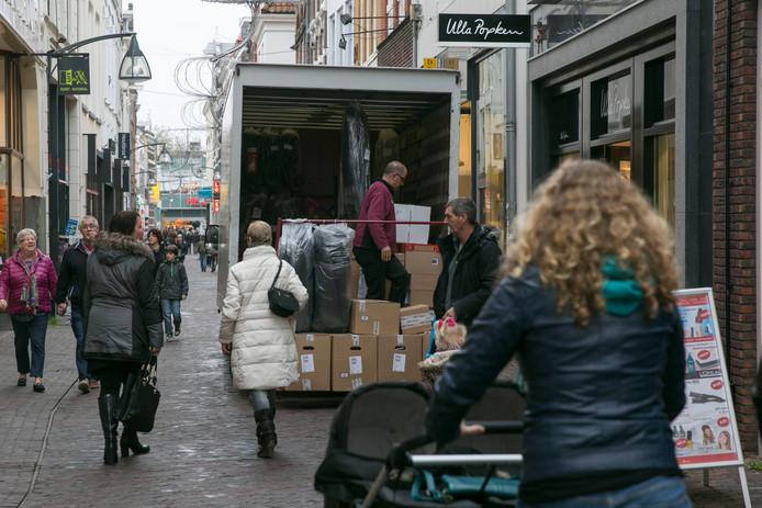 De leegstand in de Deventer binnenstad is opnieuw afgenomen. In sommige (winkel)straten is steeds meer een mix van winkels, horeca, dienstverlening - zoals bijvoorbeeld beauty- en massagesalons, een talencentrum, studio voor yoga en mindfullness en werkplekken - zichtbaar.