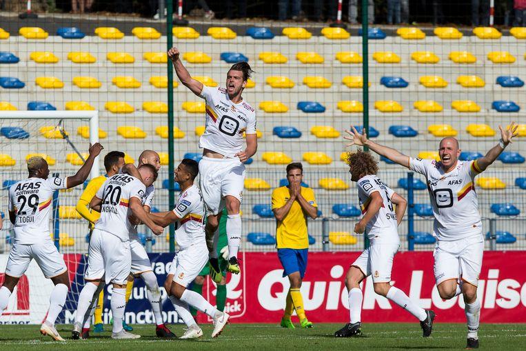Vreugde bij de Mechelse spelers na de late 2-2 van Engvall.