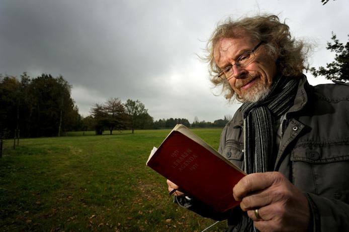 Sjaak Jansen werpt een blik in zijn eerste lerarenagenda van 1972, of er nog iets te vinden is voor zijn weblog.
