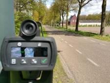 Automobilist scheurt met 160 kilometer over parallelweg bij IJzendijke