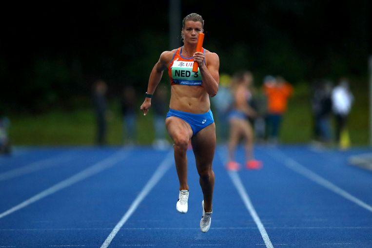 Dafne Schippers donderdag in actie op de 3 x 100 meter estafette. Beeld Getty Images