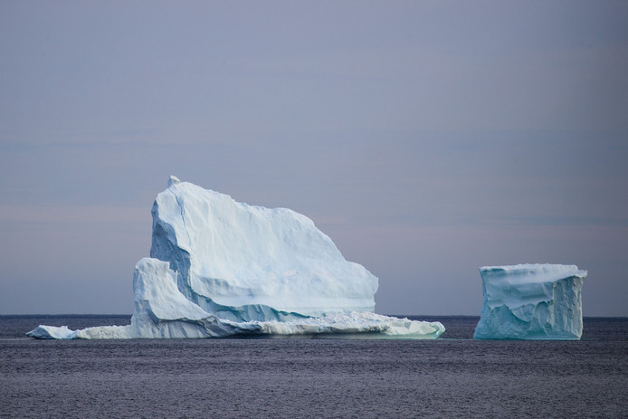 Een ijsberg voor de kust van Newfoundland.
