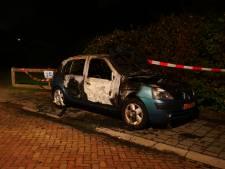 Opnieuw auto in vlammen op in Deventer, vierde brandstichting in week tijd