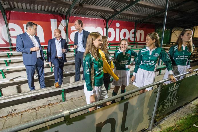 Keuken Kampioen Breda : Nieuwe shirts en forse ledengroei: familieclub uvv40 zit in de lift