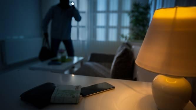 Portefeuille gestolen terwijl bewoonster slaapt