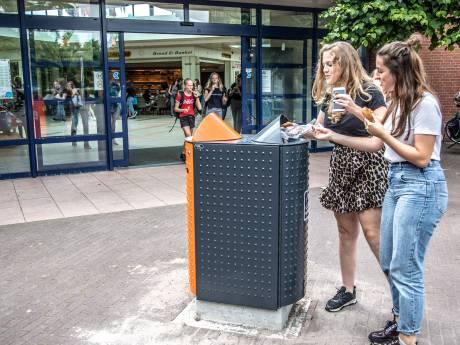 Niet vergeten! Blik en plastic mag bij winkelcentrum Aa-landen in oranje bak