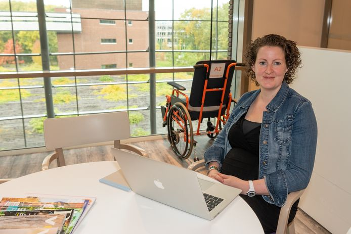Laura Verkijk werkt als ICT'er in het Meander. ,,Ik ben bewust in het ziekenhuis gaan werken om van waarde te kunnen zijn voor patiënten.''