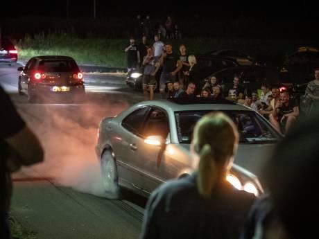 Had Enschede illegaal auto-evenement met duizend bezoekers kunnen voorkomen?