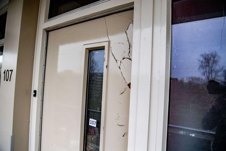 In een woning aan de Stresemannplaats in Rotterdam werd zaterdag een man ingerekend die wordt verdacht van betrokkenheid bij het voorbereiden van een terroristisch misdrijf. Ook op andere locaties werden verdachten opgepakt.
