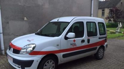"""Materiaalwagen Rode Kruis Beersel-Rode gestolen: """"Wie steelt nu zo'n opvallende wagen? Dit is al de tweede keer"""""""