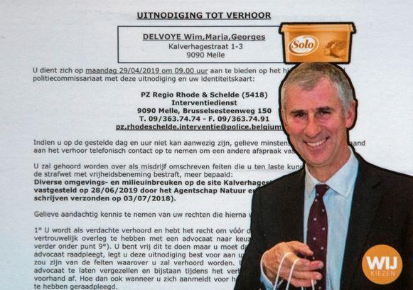 Kunstenaar Wim Delvoye startte een nieuwe briefkaartcampagne: een afbeelding van burgemeester Dirk De Maeseneer met een vlootje boter op het hoofd.