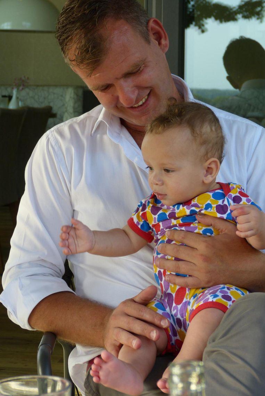 Pieter Kos en zijn zoon Otis. Beeld