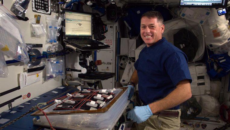Shane Kimbrough stemt vanuit de ruimte