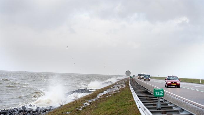 Het IJsselmeer bij de Enkhuizerdijk