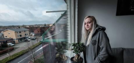 Bewoners balen van vochtige en tochtige flats in Winterswijk: 'Mijn kleren zijn klam als ik ze aantrek'
