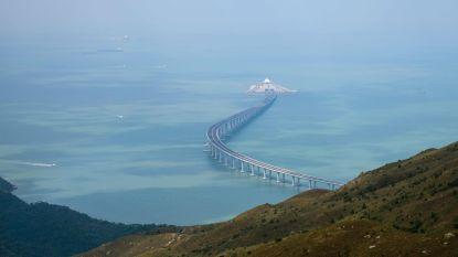 Langste zeebrug ter wereld na 9 jaar eindelijk officieel open, maar lang niet iedereen mag erover met eigen wagen