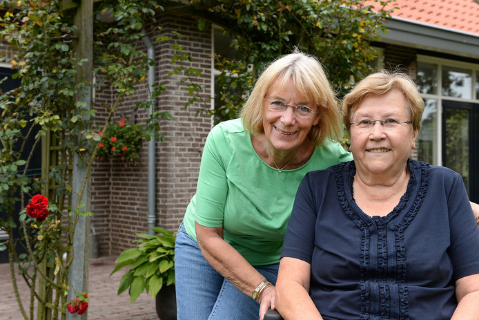 Marijke Kemperman (links) en Riekie Coppelmans