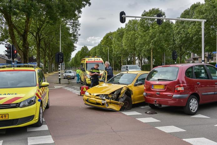 Behoorlijke schade bij de betrokken auto's.