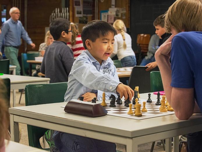 Le Phong Nguyen uit Oss is 6 jaar en geldt als één van de grootste schaaktalenten van Nederland.
