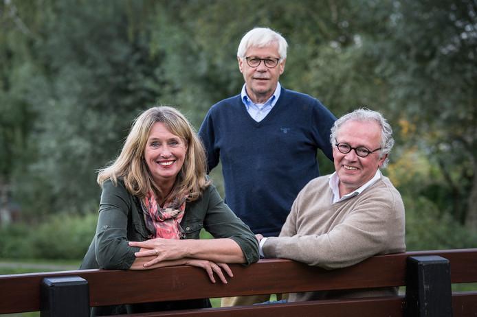 Archieffoto van de drie makers van spraakvermaak, vlnr : Mirjam Schrauwen, Dik van Beest en Wim Smetsers.