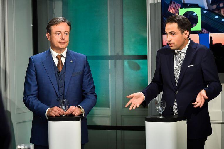Bart De Wever heeft Tom Van Grieken niet uitgenodigd voor de eerste onderhandelingsnota. Ook de Groenen kregen geen uitnodiging.