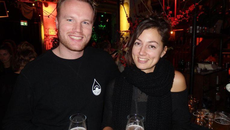 Anneke van den Bijgaart van het Volkshotel en Thomas Gesink van De Prael. Het geheim van een goed biertje? Thomas: 'Geduld' Beeld Schuim