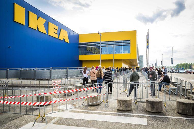 De rij voor de Ikea bij Heerlen. Beeld ANP