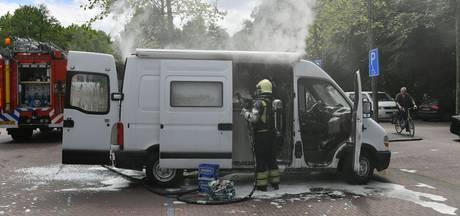 Camper brandt uit voor supermarkt in Eersel