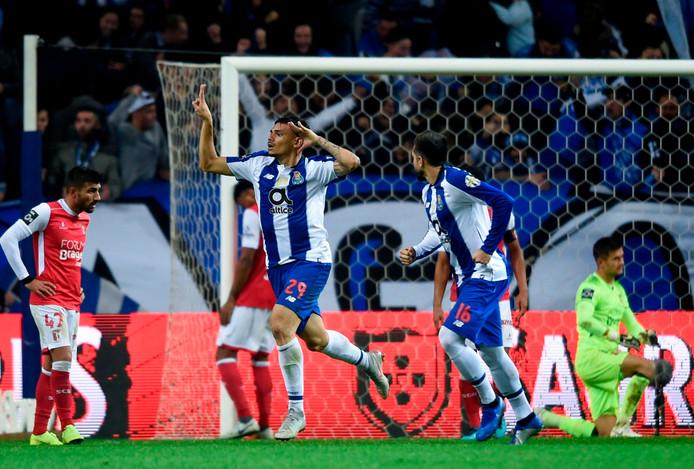Porto-spits Tiquinho viert zijn winnende goal tegen SC Braga.