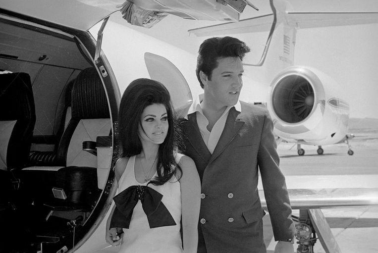 Elvis en Priscilla Presley kort na hun huwelijk in 1967. Beeld Bettmann